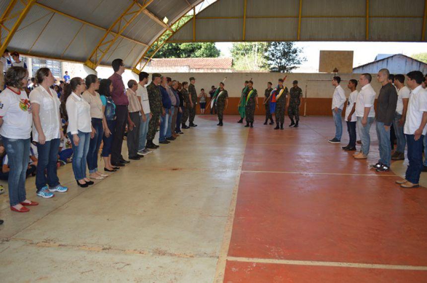 Municípios de Janiópolis e Boa Esperança entregam reservistas a quase 100 jovens