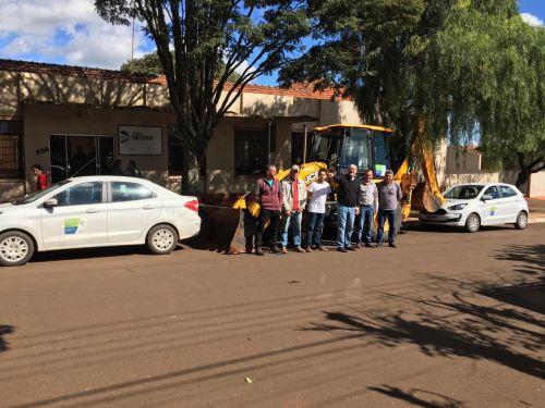 Emenda Parlamentar gera Aquisição de Retroescavadeira e Automóveis para Congonhinhas.