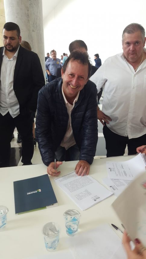 Assinatura de convênios