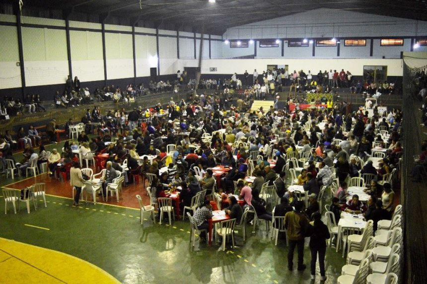 Prefeitura de Quinta do Sol promoveu show de prêmios do Dia do Trabalhador