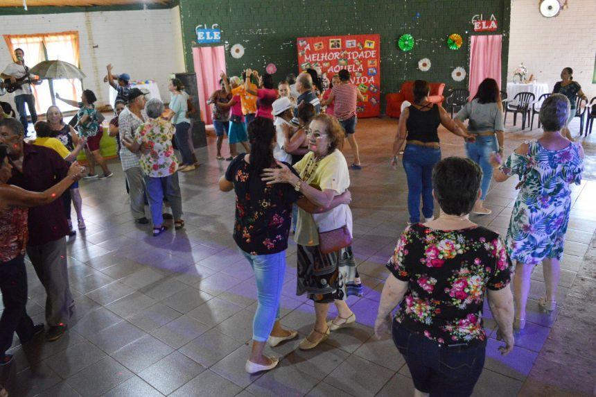 Grupo Conviver de Quinta do Sol comemora Dia da Mulher