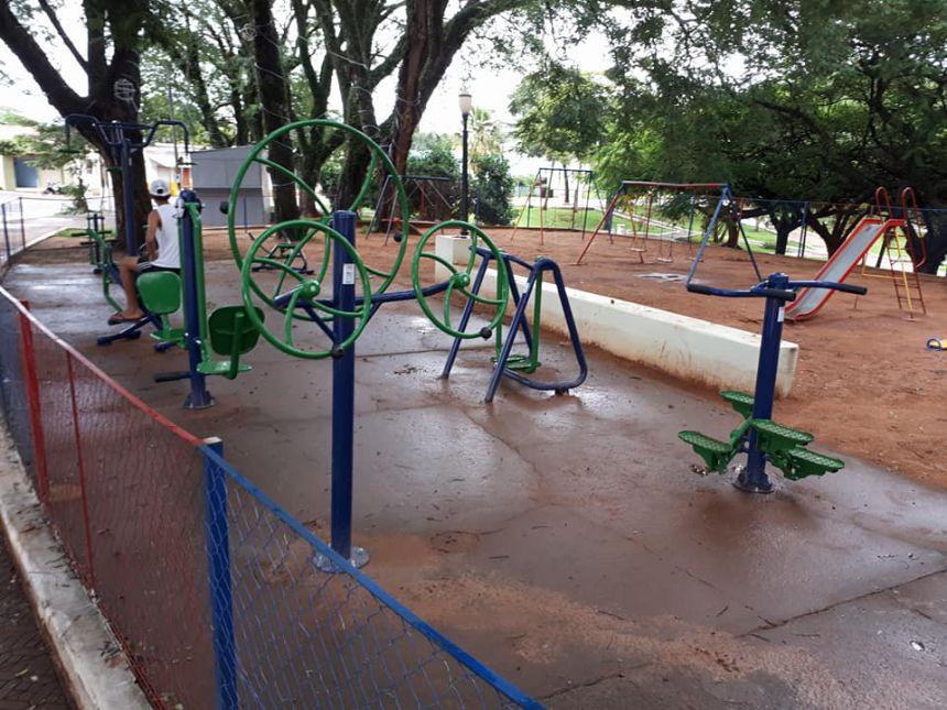 Prefeitura de Quinta do Sol renova academia ao ar livre na Praça Gentil José Soares
