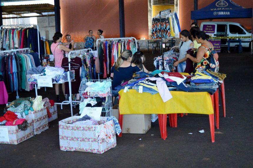 Feirão do Consumidor em Quinta do Sol movimenta comércio da cidade.