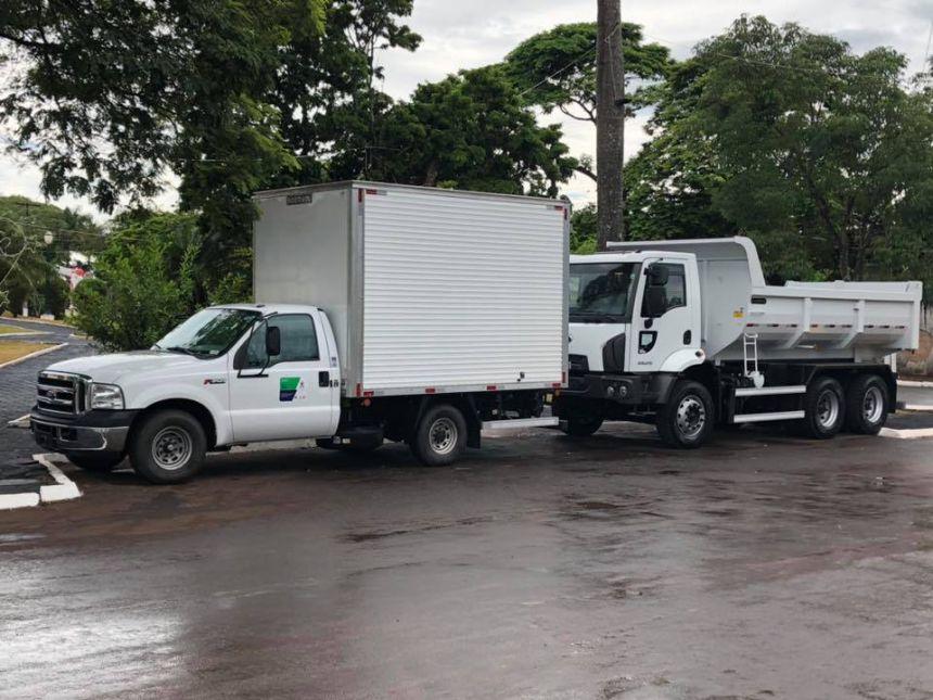 Prefeitura de Quinta do Sol recebe dois caminhões