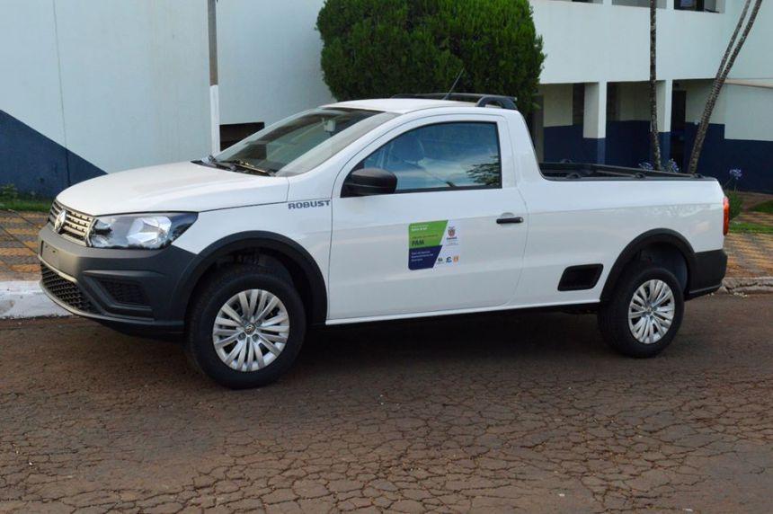 Prefeitura de Quinta do Sol recebe veículo e caminhão caçamba