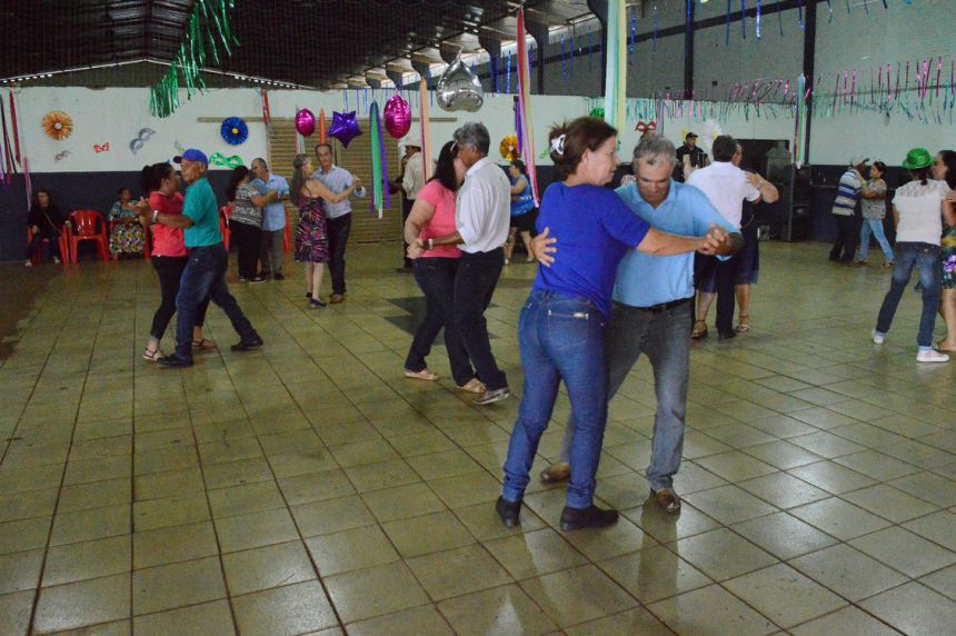 Baile Regional de Carnaval da 3ª Idade agita Quinta do Sol