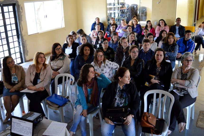 Profissionais de Educação de Quinta do Sol participam de capacitação