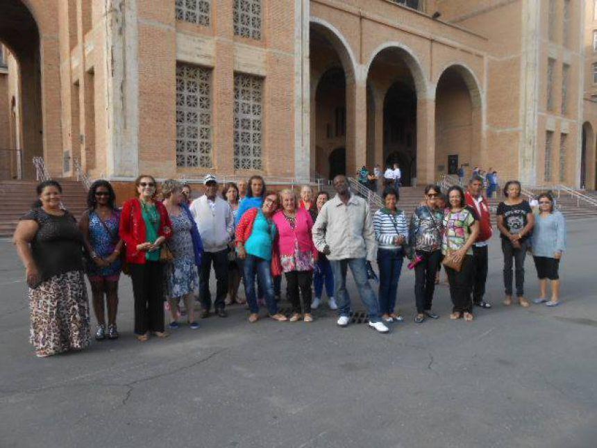 Grupo Conviver de Quinta do Sol visita Santuário Nossa Senhora Aparecida