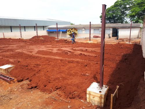 Prefeitura de Quinta do Sol inicia construção de refeitório em escola