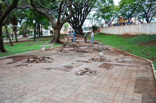 Prefeitura de Quinta do Sol inicia revitalização da Praça Gentil José Soares