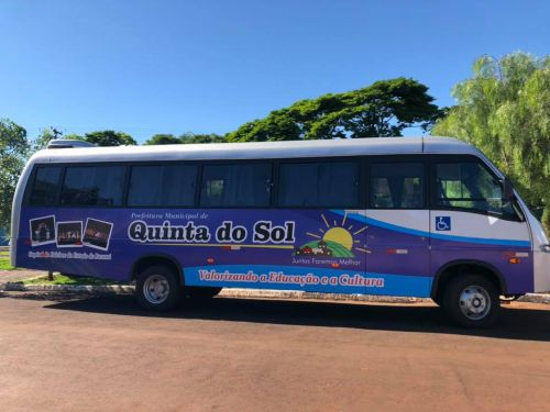 Quinta do Sol personaliza ônibus para transporte de estudantes