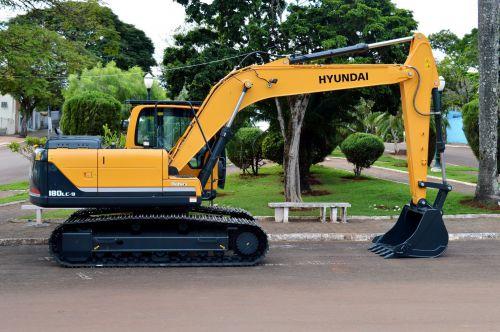 Quinta do Sol recebe mais uma escavadeira hidráulica