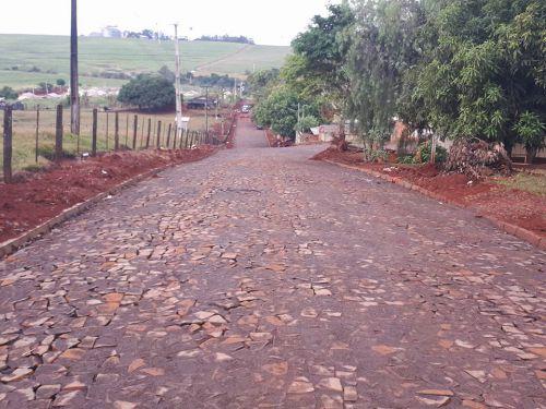 Quinta do Sol amplia obras de pavimentação com pedras irregulares