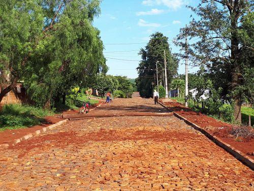 Prefeitura de Quinta do Sol pavimenta proximidades da Sanepar