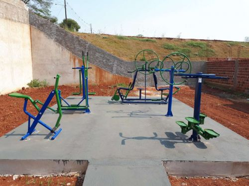 Prefeitura de Quinta do Sol instala Academia ao Ar Livre no Conjunto Sol Maior