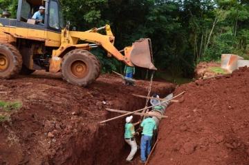 Quinta do Sol realiza obras na saída para Fênix