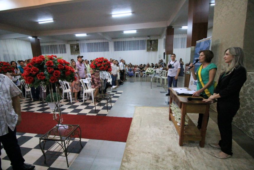 """Em Campina da Lagoa o """"Dia do Sim"""", oficializa a união de 53 casais"""