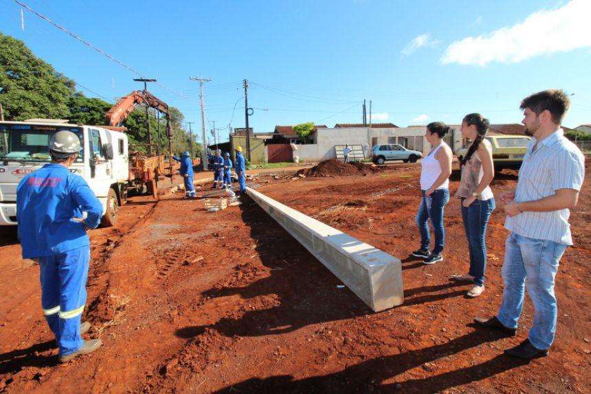 Obras no Santa Felicidade irão dar sequência após remoção da rede de energia na Rua Kaigang
