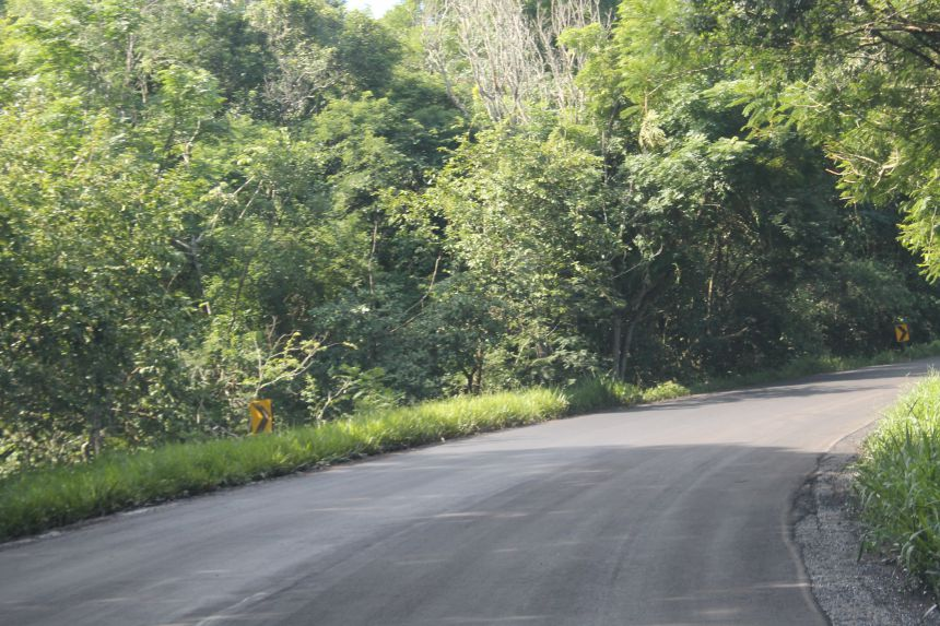 Recape da PR que liga o Município de Campina da Lagoa ao município de Altamira do Paraná
