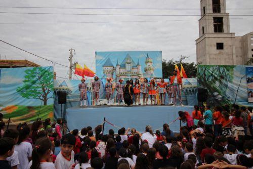 """Espaço Sou Arte apresenta o espetáculo """"Num Reino Encantado de Príncipes e Princesas"""" em Campina da Lagoa"""