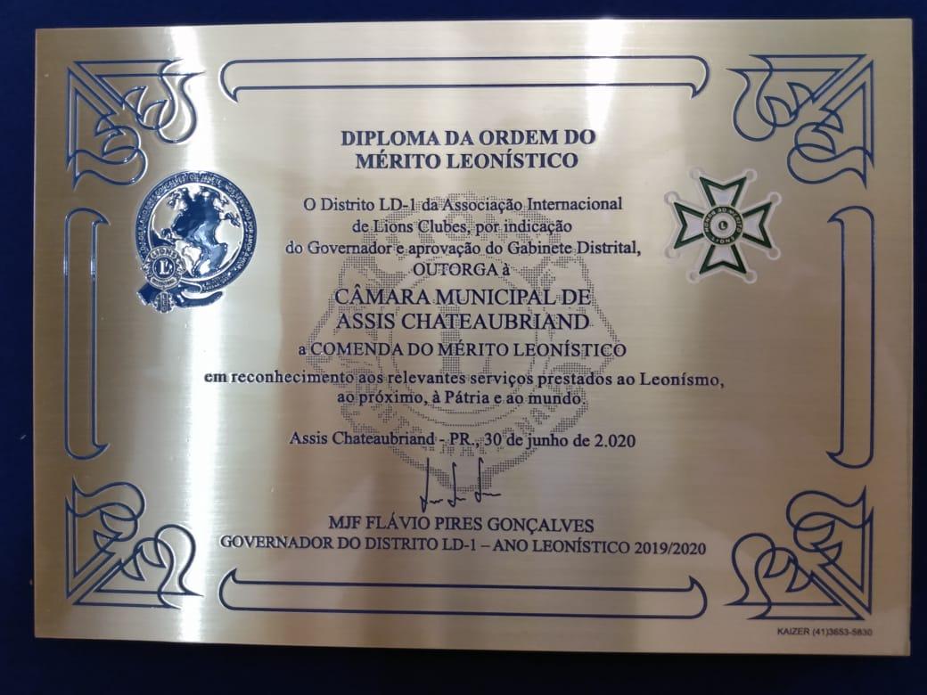 CÂMARA DE ASSIS RECEBE DIPLOMA  DA ORDEM DO MÉRITO LEONÍSTICO