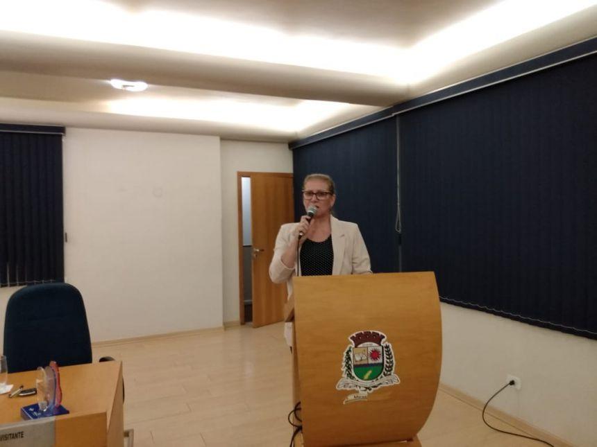 Secretária de Desenvolvimento Econômico, apresenta trabalhos ao Legislativo Municipal.