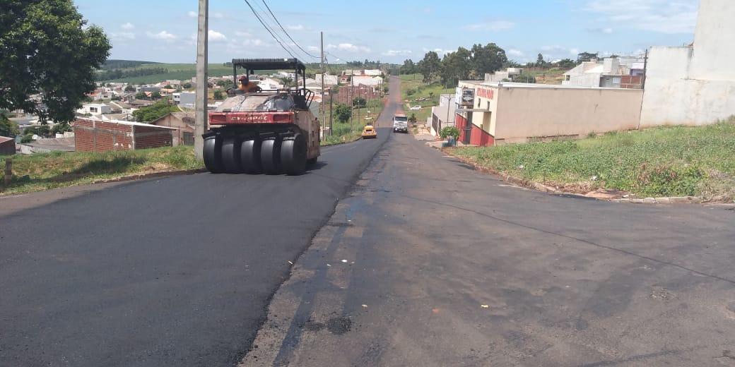Mandaguaçu recebe R$ 1,8 milhão em recapeamento asfáltico