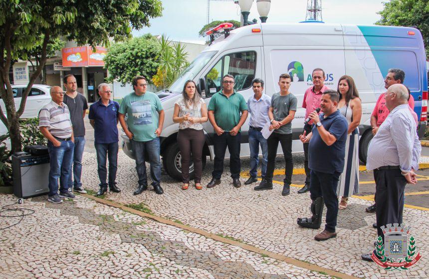 Mandaguaçu recebe nova ambulância