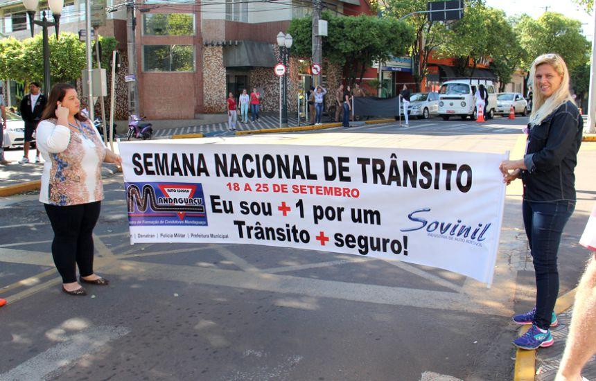 Blitz educativa para celebrar a Semana Nacional de Trânsito ocorre em Mandaguaçu