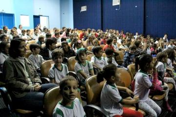 Escola Municipal Manoela Rosalina Mazzei da Silva - BiblioSESC