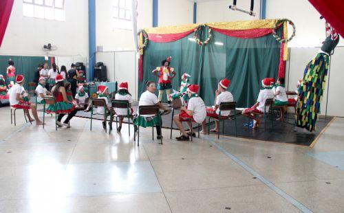 """Departamento de Assistência Social promove espetáculo """"Natal em Cordel"""""""