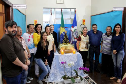 Visita da imagem de Nossa Senhora Aparecida na Prefeitura Municipal - Rota 300