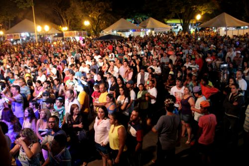Segundo dia da 6ª Festa Nacional do Porco na Lata