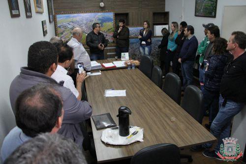 Mandaguaçu recebe o Deputado Estadual Tiago Amaral