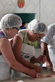 Departamento de Assistência Social oferece curso gratuito de preparador de pescado