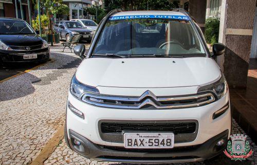 Mandaguaçu recebe veículo para Conselho Tutelar