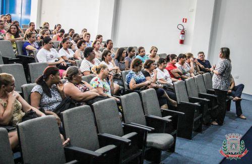 Departamento de Educação realiza reunião com servidores públicos