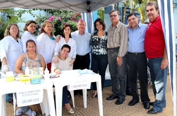 Entrega oficial da nova ambulância no Centro Municipal de Saúde