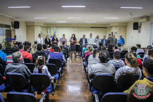 Telecentro de Mandaguaçu realiza entrega de certificados