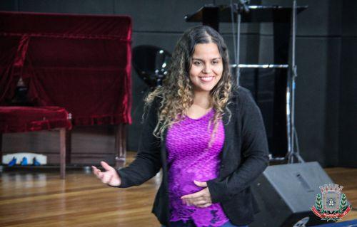 Nutricionista Debora V. de Carvalho França