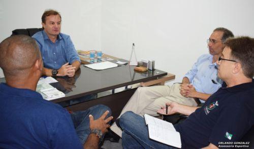 Presidente da AMUSEP se reúne com dirigentes da SEET e NRE/Maringá