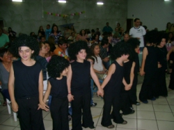 festa junina e danças típicas da Escola Municipal Elena Maria Pedroni