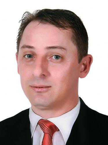 Valmir Selzler