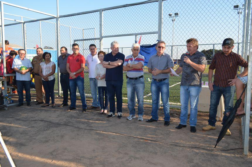 Estiveram presentes várias autoridades, entre as quais, o deputado estadual Douglas Fabrício, o vice-prefeito Mário Choption, vereadores, secretários municipais e representantes da comunidade