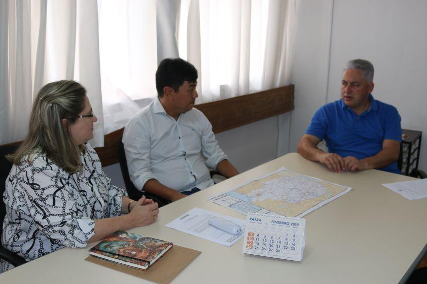 A Dra. Marília solicitou também, junto ao DER, outra obra importante para Roncador: a construção da terceira faixa no prolongamento da Avenida São Pedro