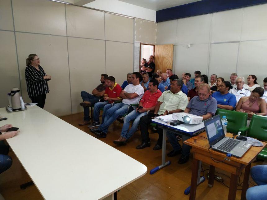 PREFEITURA PROMOVE REUNIÃO PARA DISCUTIR REVITALIZAÇÃO DA AVENIDA SANTO ANTÔNIO