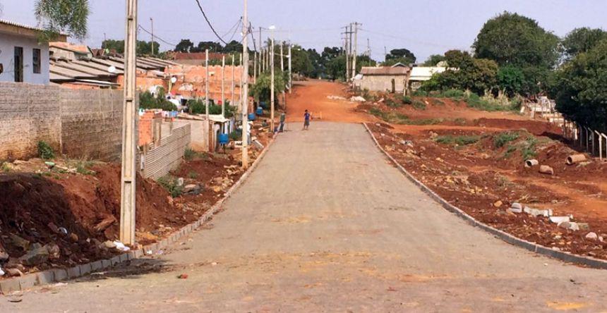 Mais ruas de Roncador recebem pavimentação e melhorias
