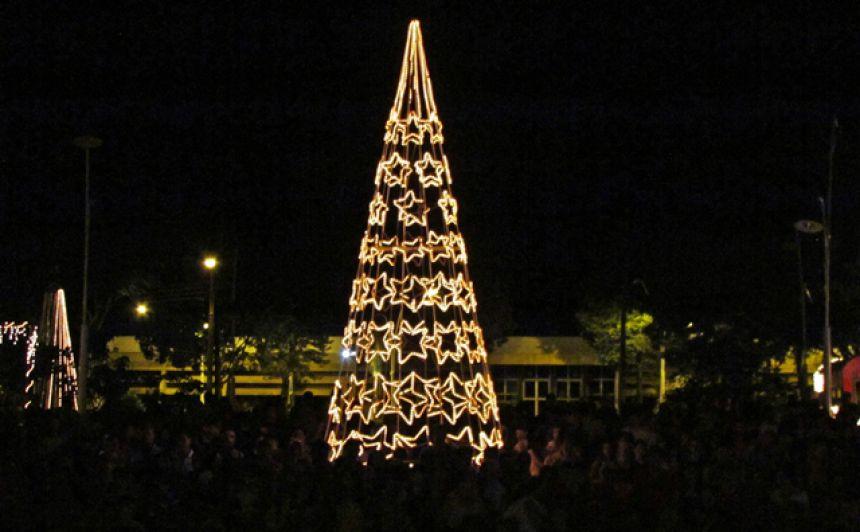 Auto de Natal atrai grande público na Praça de Roncador