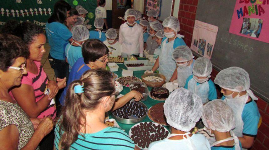 Escola Monteiro Lobato realiza Feira do Empreendedor