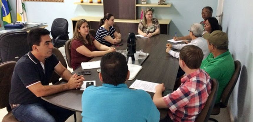 Roncador realiza reunião sobre compostagem orgânica